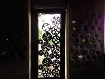 Door detail. La Casita del Barro.