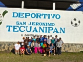 Group photo after playing fútbal.
